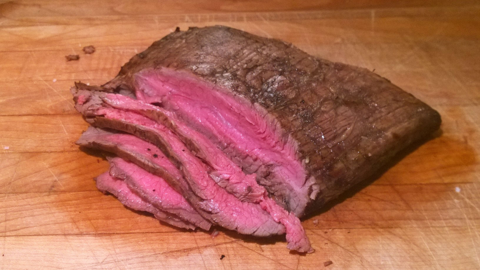 thinly sliced grilled flank steak