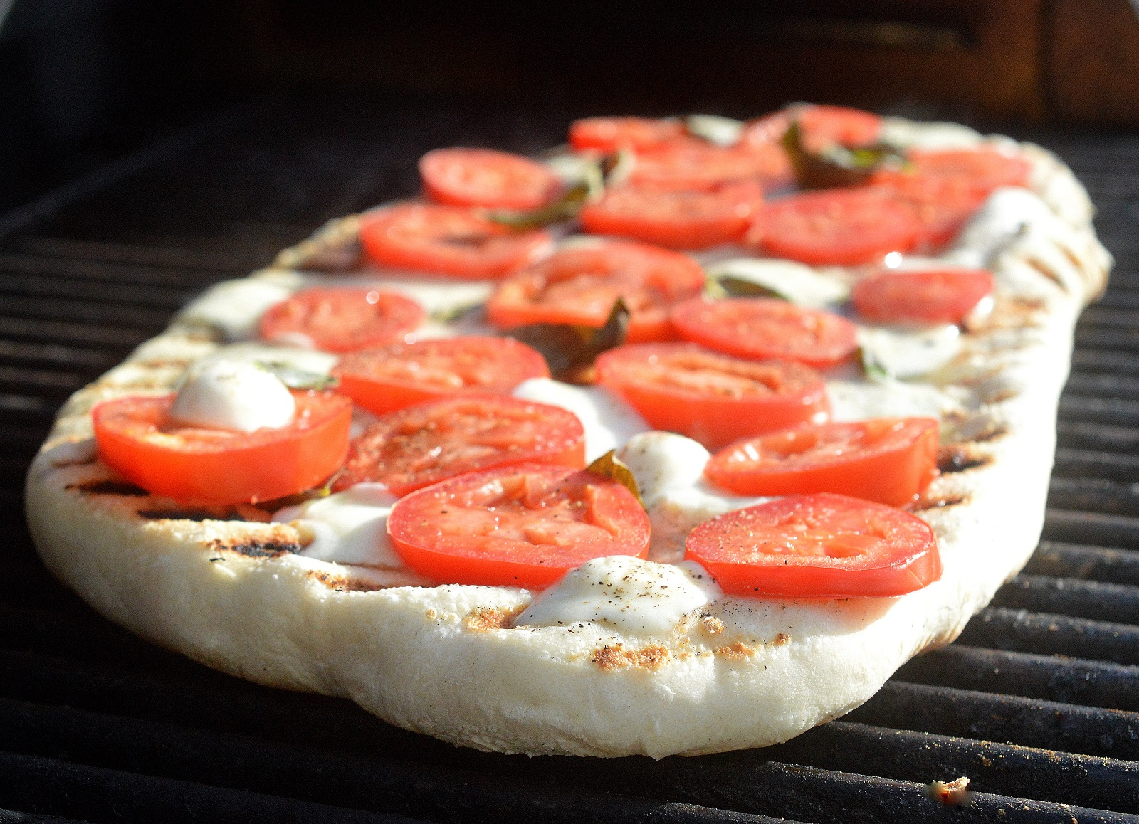 grill pizza at home
